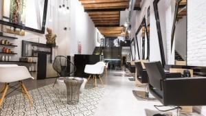В рамката на картина...  Noguera Hair & Art Salon Барселона